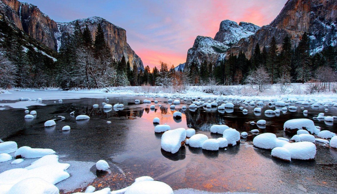 California_Yosemite-National-Park_Winter_Valley-View_Morning-Sunlight