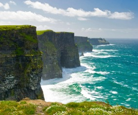 Ireland_Cliffs-of-Moher_iStock_000017252753Large
