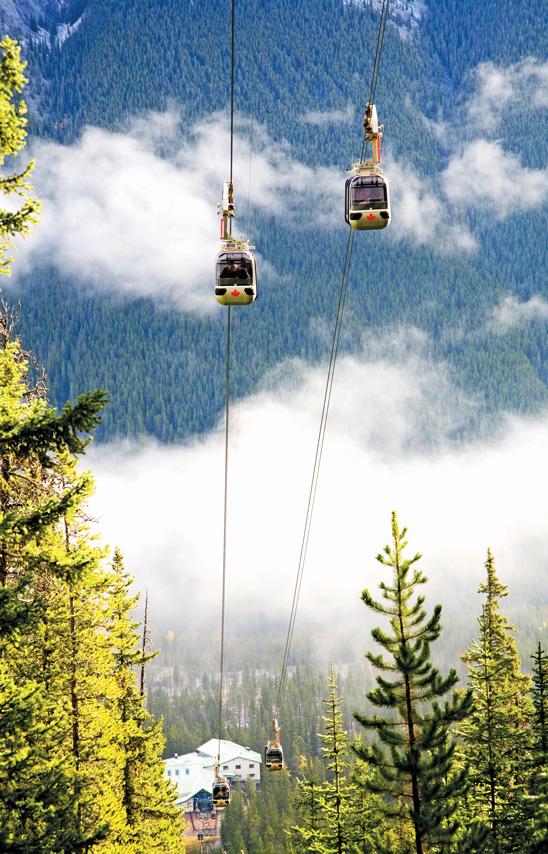 iS_2373041XLarge_Banff_Alberta_Gondola_SulphurMtn
