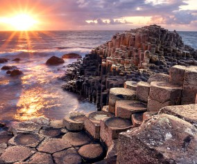 Ireland_Giants-Causeway_Sunset_shutterstock_234549214